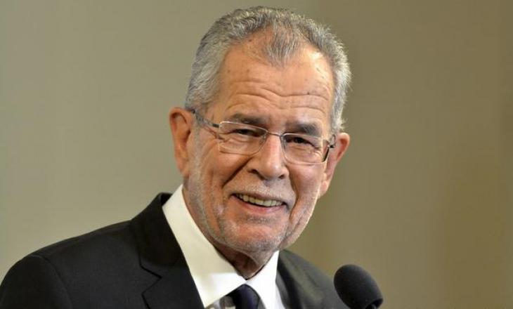 Presidenti austriak – BE-së: Duhet t'i pranojmë refugjatët afganë