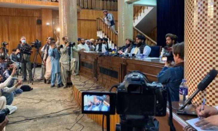 Talebanët thonë se duan paqe: Do të respektojmë të drejtat e grave sipas sheriatit