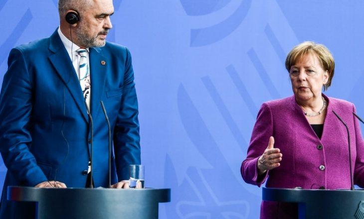 Merkel viziton Shqipërinë më 14 shtator