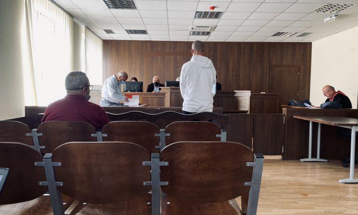 """""""I kam dy tentim-vrasje dhe 27 armëmbajtje pa leje"""", sot mbahet seanca për reperin gjilanas"""