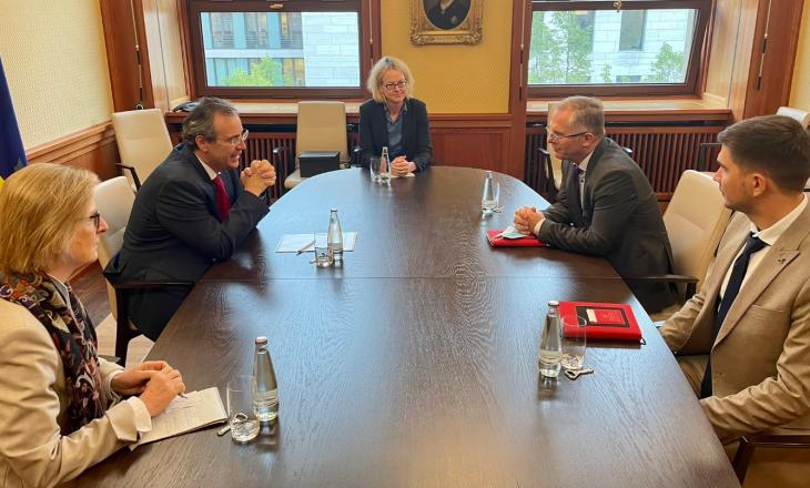 Para takimit në Bruksel, Bislimi diskuton me diplomatin gjerman