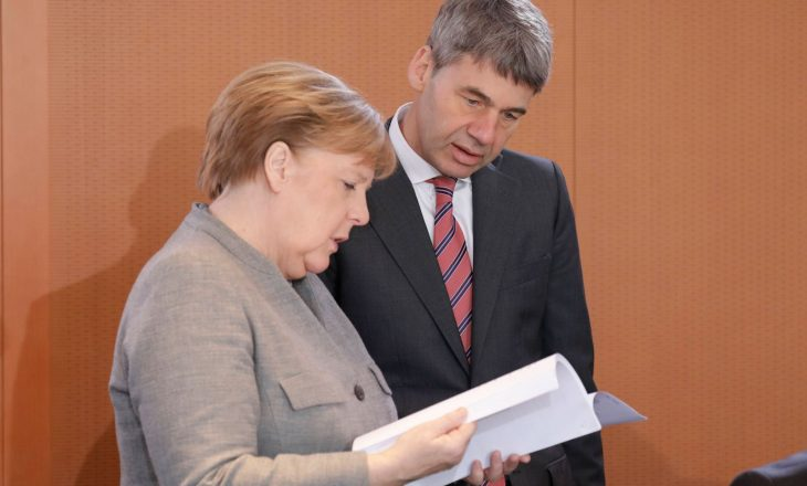 Vdes ish-këshilltari i Merkelit