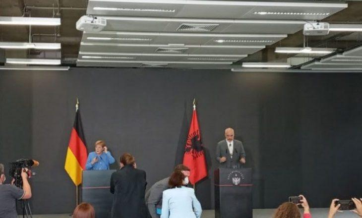 Federata Evropiane e Gazetarëve i reagon Edi Ramës pasi ai nuk i lejoi gazetarët nga Kosova t'i bëjnë pyetje Merkelit
