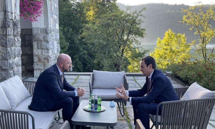 Kurti takon presidentin e KE-së – i thotë se kosovarët po mbahen peng