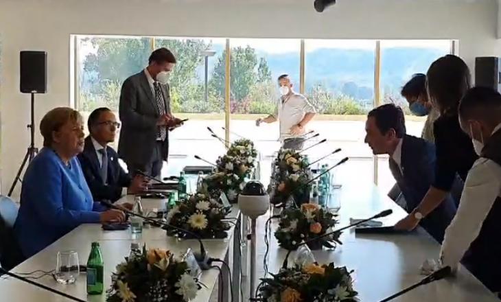 Kurti fillon takimin me Merkelin në Tiranë (VIDEO)