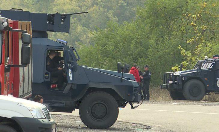Mjetet e blinduara ushtarake largohen nga kufiri me Kosovën