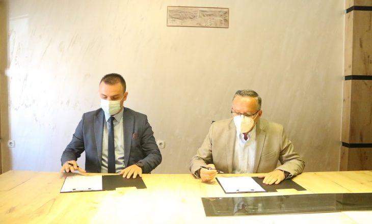 PDK dhe AKR nënshkruajnë koalicion në zgjedhjet komunale