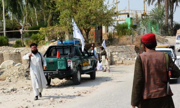Së paku dy persona kanë vdekur dhe 19 janë plagosur nga shpërthimet në Afganistan
