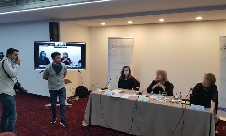 Aktivistët e PSD-së ndërpresin konferencën e Trendafilovës, arrestohen