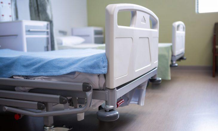 40 pacientë me COVID-19 që po trajtohen në spitalet e vendit – në gjendje të rëndë