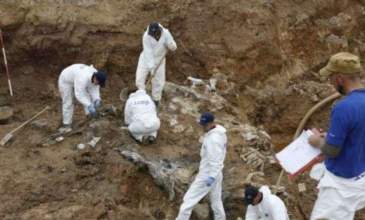 Sot riatdhesohen eshtrat e 9 viktimave të masakrës në Rezallë