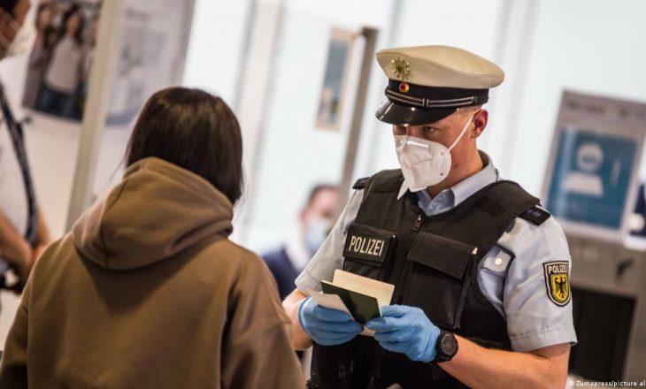Të pavaksinuarit në Gjermani nuk do të marrin pagë gjatë karantinës