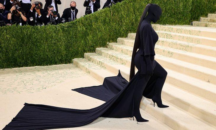Kim Kardashian sërish 'i tmerron' njerëzit me veshjen e saj në 'Met Gala 2021'