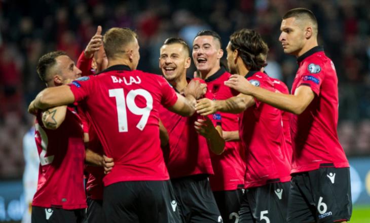 Futbollisti shqiptar bëhet baba për herë të parë