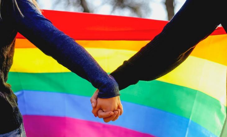 Zvicra legalizon martesat në të njëjtën gjini