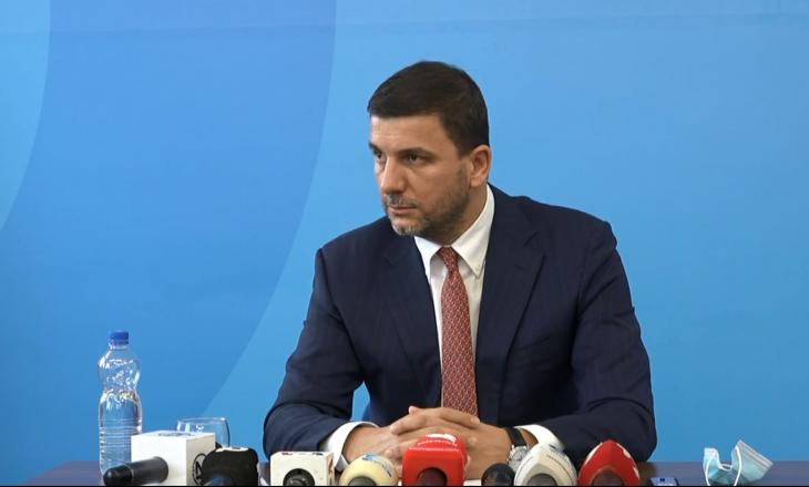 Krasniqi kritikon Qeverinë Kurti: Ka neglizhuar totalisht vaksinimin kundër COVID-19
