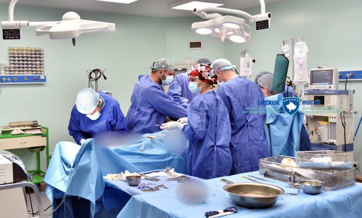 Në Klinikën e Kardiokirurgjisë kryhet me sukses një operacion në zemër të hapur