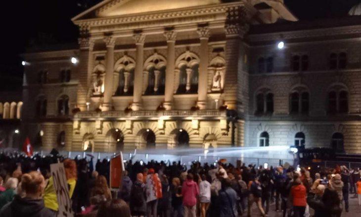 Bern: Protestohet kundër masave anti-COVID'19