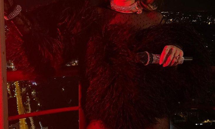 Rita Ora e quan 'çmenduri' performancën e saj në Kullën Eiffel