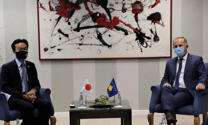 Japonia i vlerëson përpjekjet e Kosovës për procesin e dialogut dhe arritjen e një marrëveshjeje