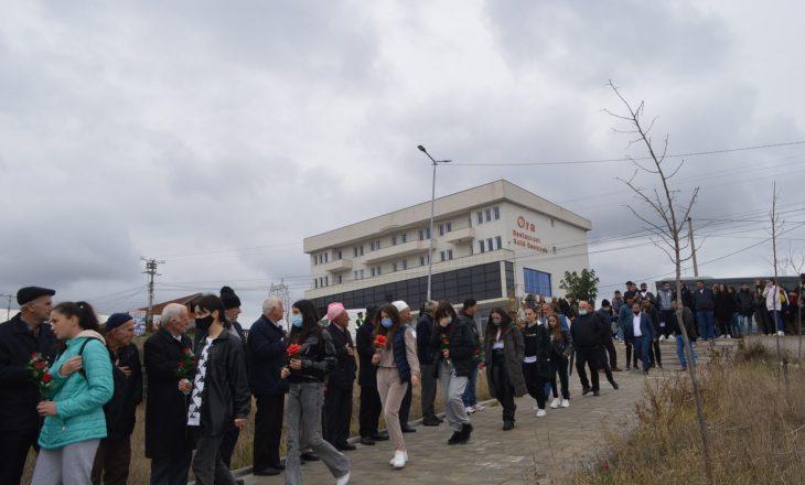 Përkujtohen 15 maturantët e Malishevës që vdiqën në tragjedinë e Fushë Arrëzit