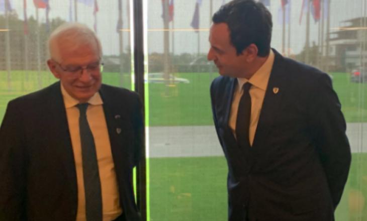 Borrell kërkon zbatimin e marrëveshjes për targat dhe normalizimin e marrëdhënieve mes Kosovës dhe Serbisë