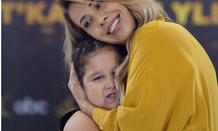 Moderatorja shqiptare kërkon falje pasi bullizoi vogëlushen 8-vjeçare për peshën e saj